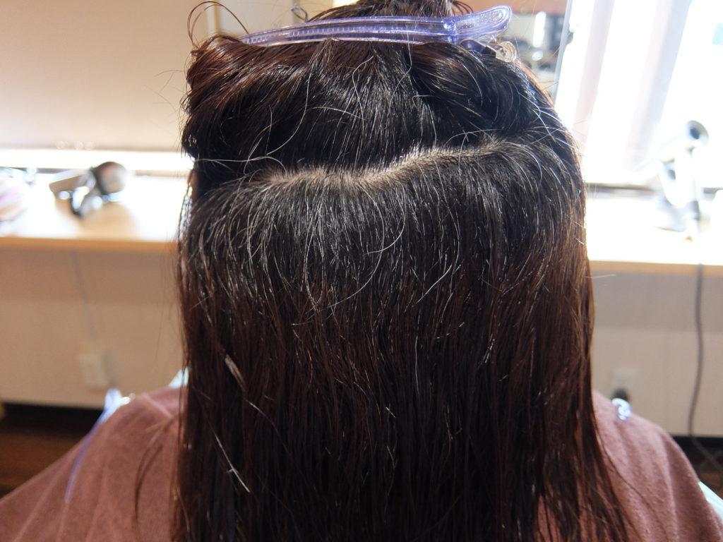 【津市・縮毛矯正・ストレート】繰り返し白髪染めをしている髪の毛にダメージレスな縮毛矯正を施術【三重・siesta】